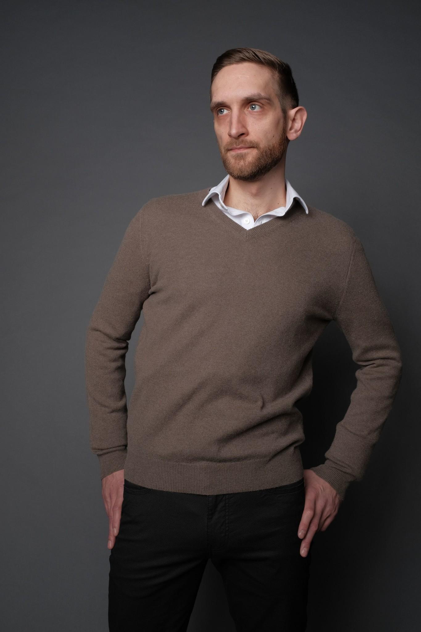 Wool & Mongolian Cashmere V Neck