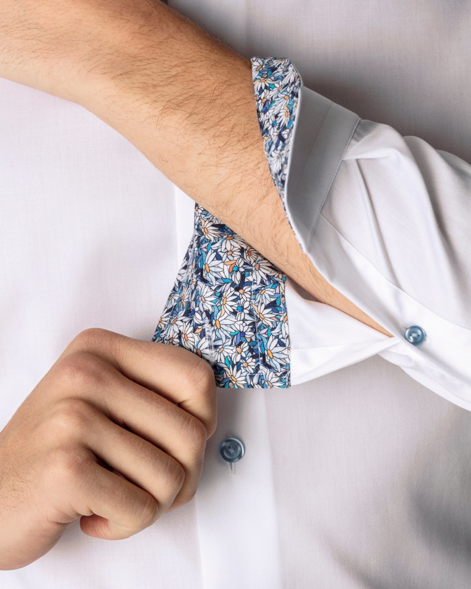 Eton White Twill with floral daisy trim