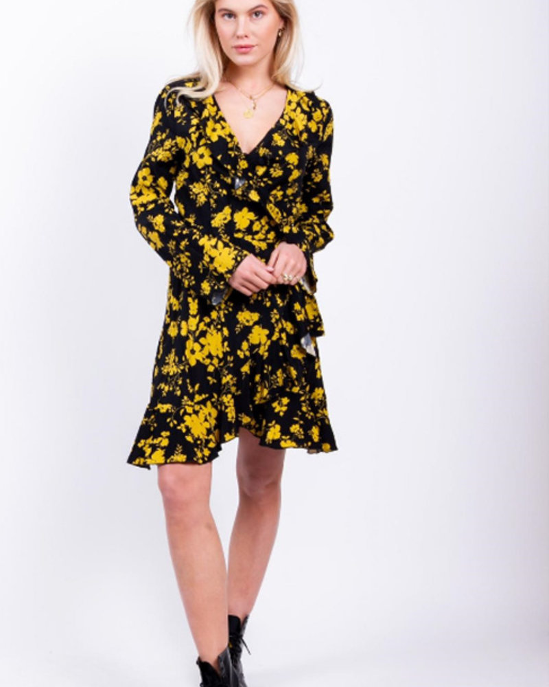 Colourful Rebel Colourful Rebel, Telsa Wrap Dress, Black/Yellow