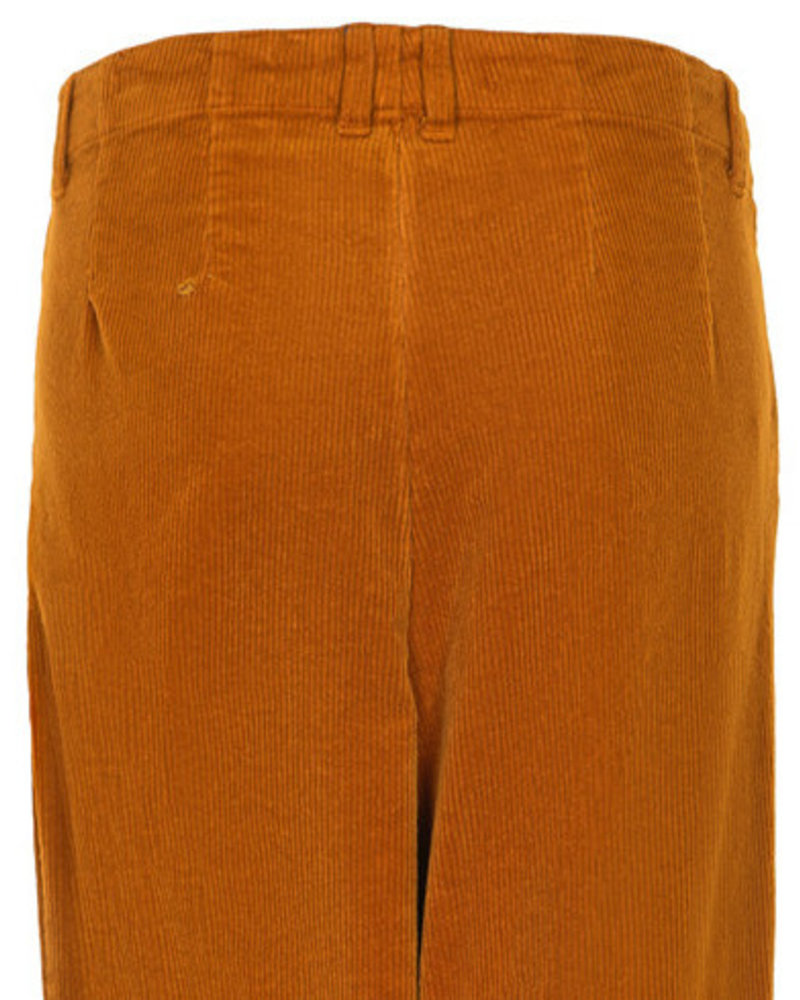 Nümph Nümph, Numeghan Pants, Sudan