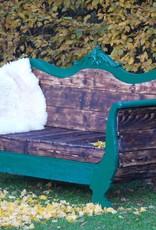 100 jährige Couch für den Outdoor Bereich, Flamed Wood