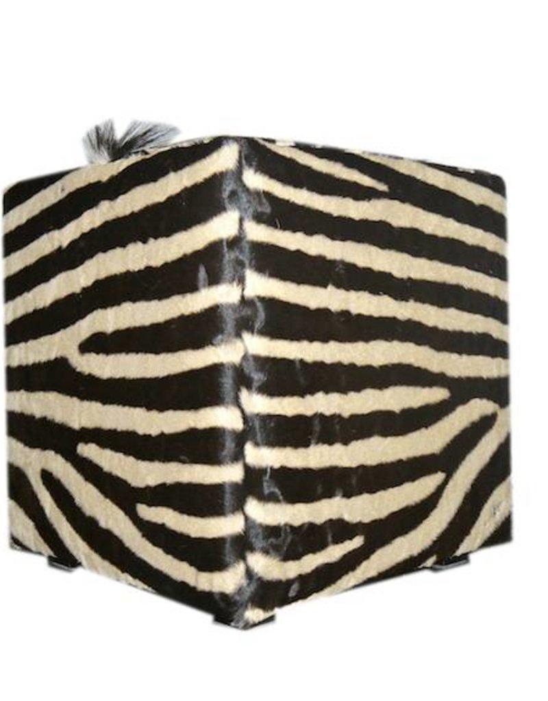 Zebrafell Hocker CUBE