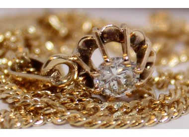 Gold necklace diamonds