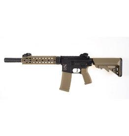 "Delta Armory DA-C06 M4 SilentOps 9"" Charlie AEG 1,49 Joule - TAN/BK"