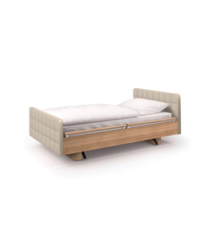Pflegebett im Hotel-Design (Waben-Optik)