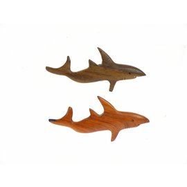 Wooden assorted polished Shark 10cm.