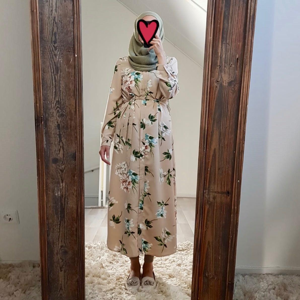 Hijablouse nardo zwart  beige
