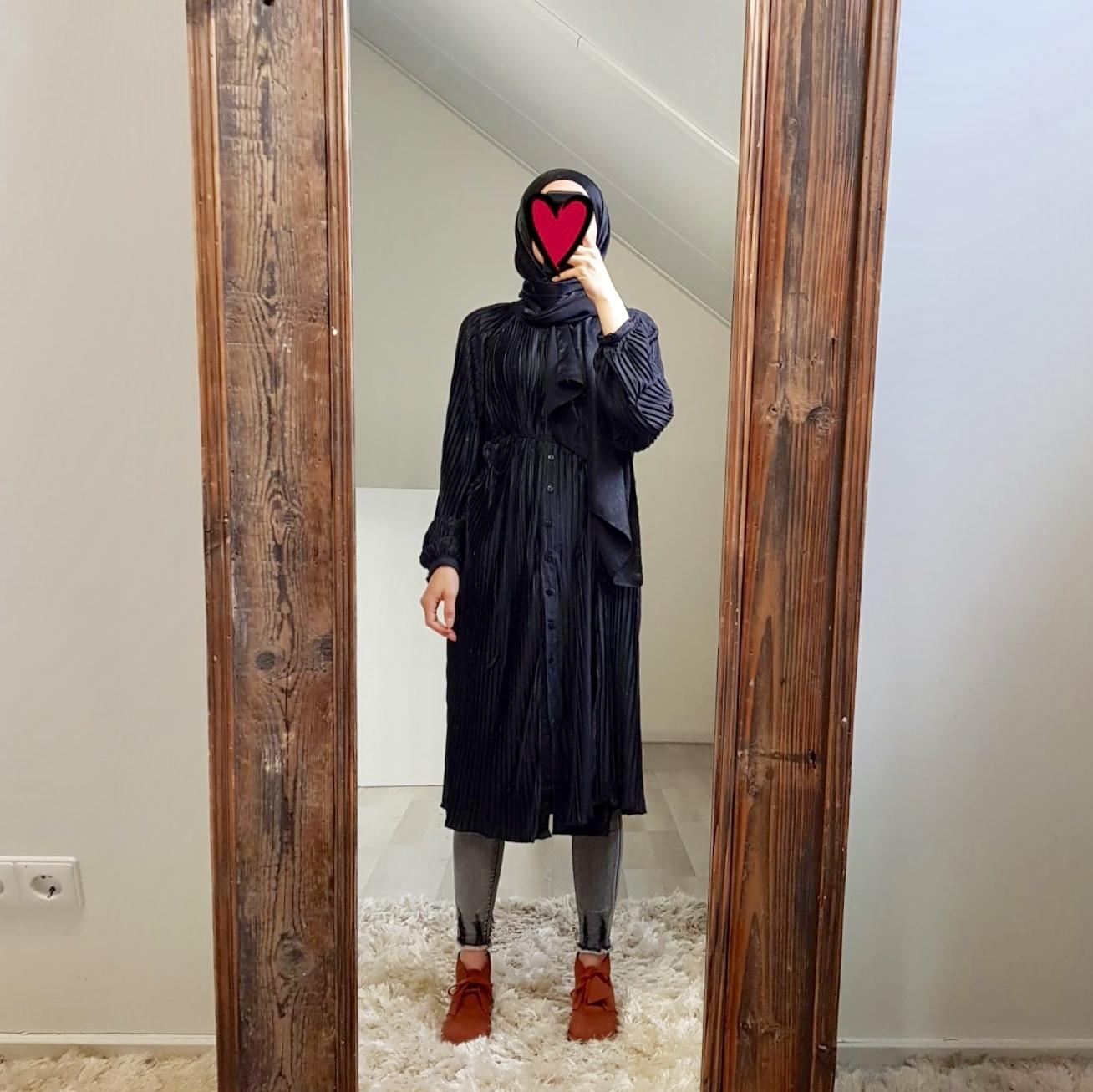 pleated dress alessano black