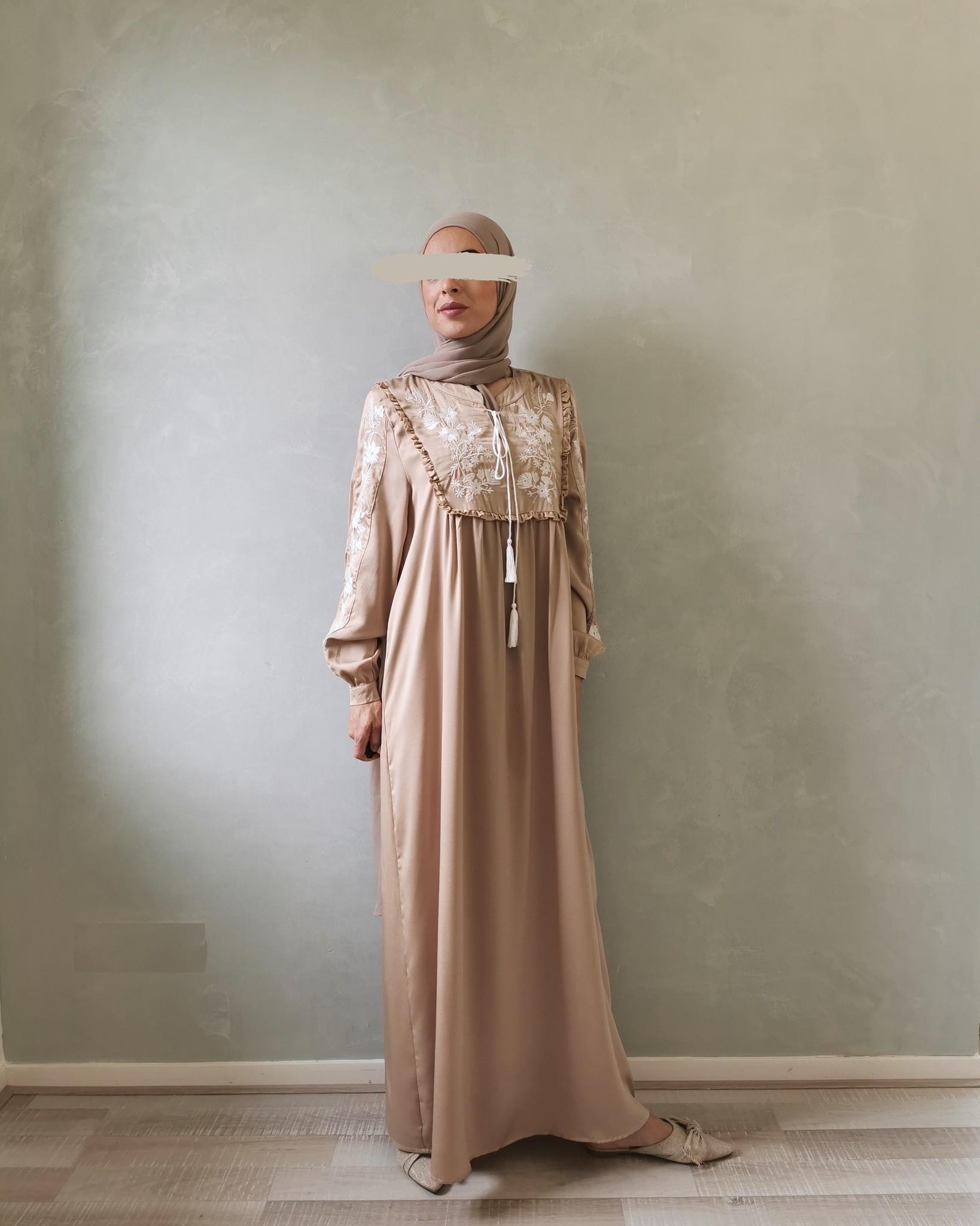 dress busnago beige