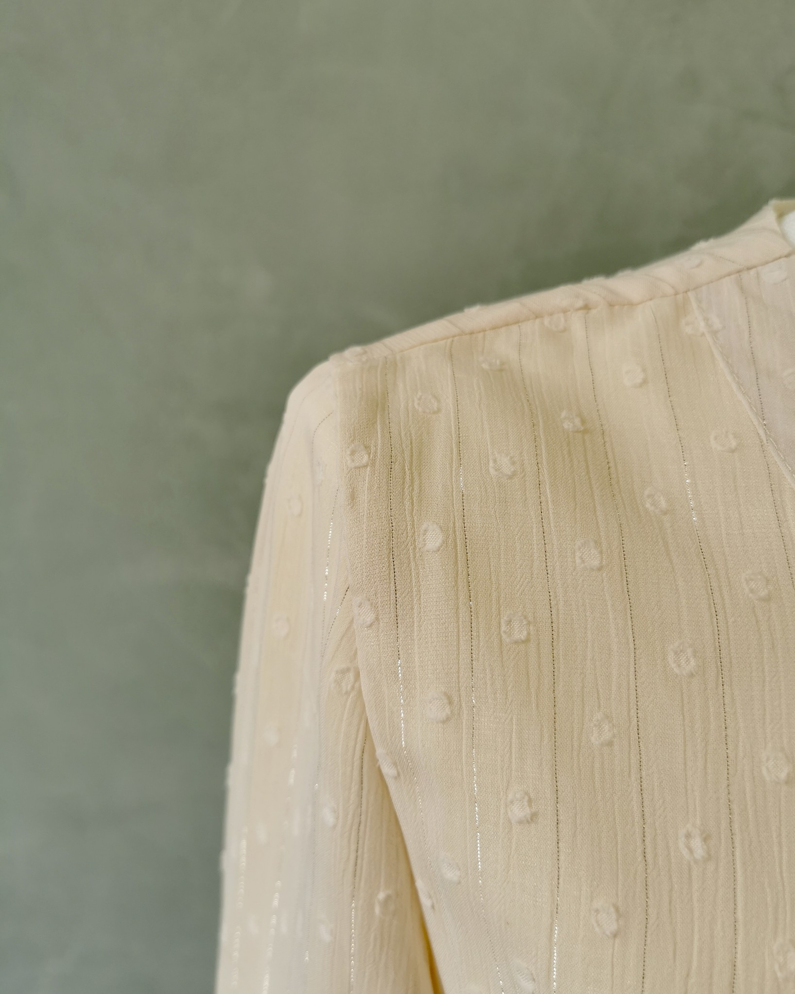 dress aprica creme