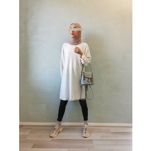 Gerafelde sweater viglio off white