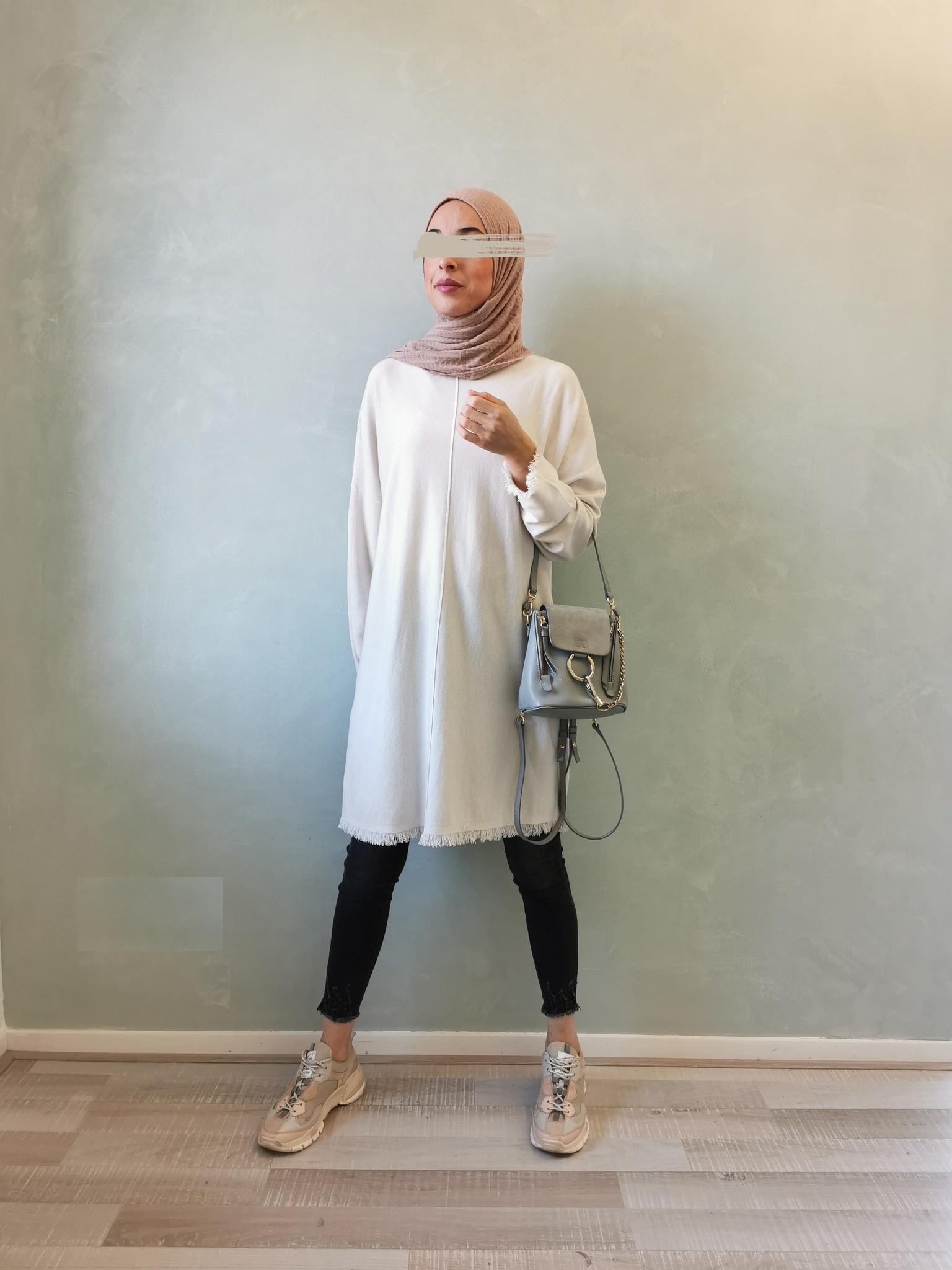 Gerafelde sweater viglio off white