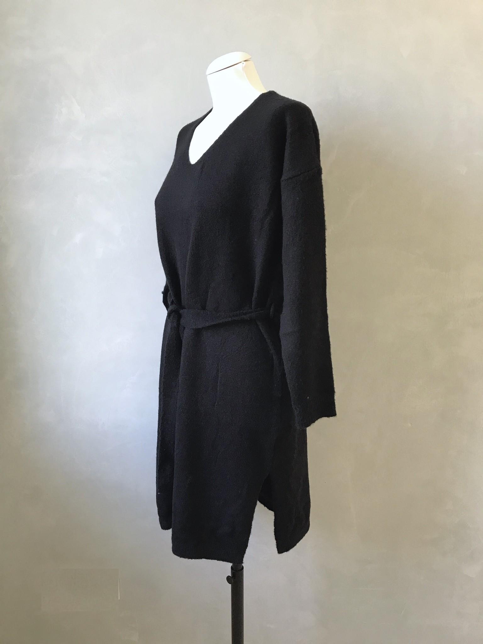 sweater dodici black