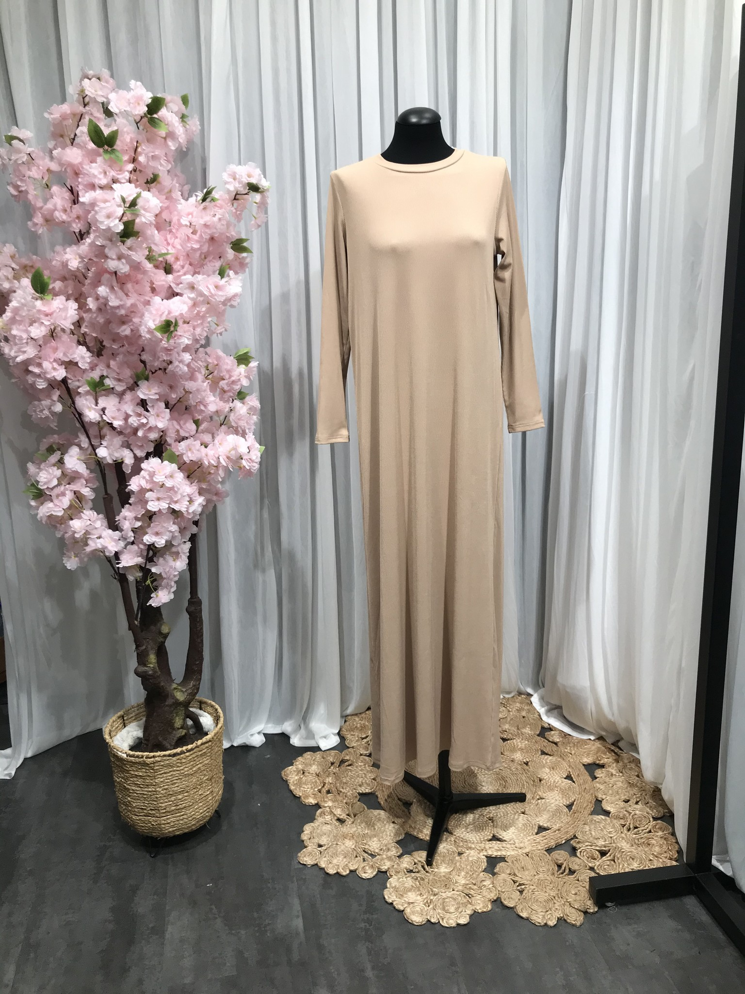 Loose fit body dress basiano beige