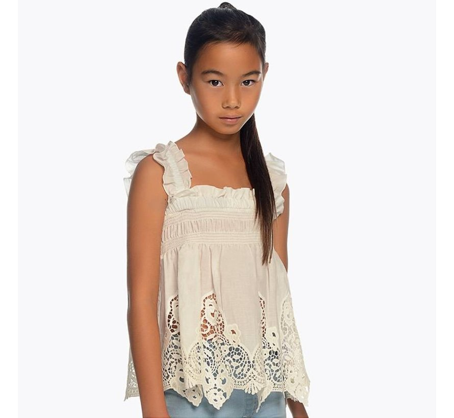 6106Embroidered loose shirt