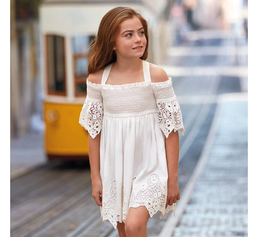6935Embroidered dress