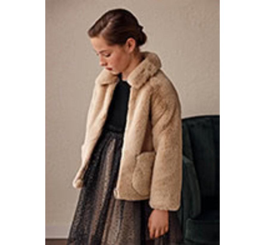 7432 Fur coat
