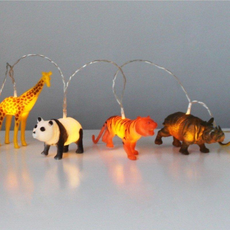 House of Disaster lampjes slinger met safari dieren