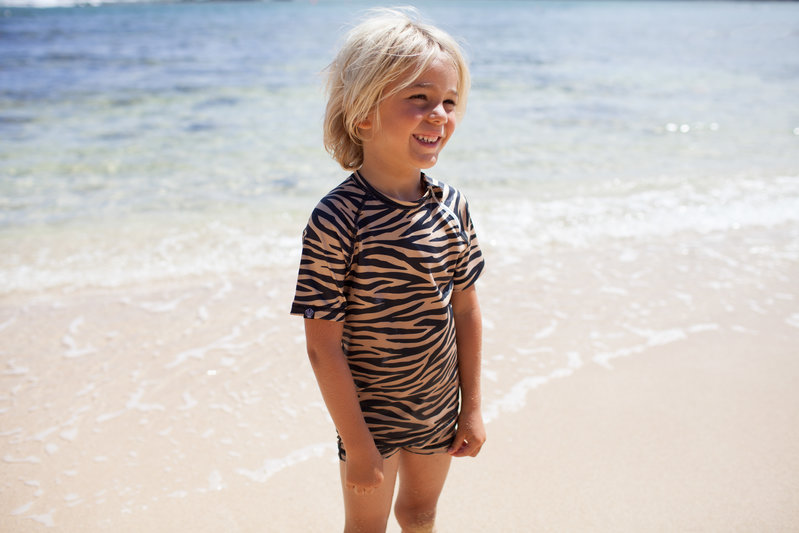 Beach and Bandits UV zwemshirt Tiger Shark Bruin/zwart