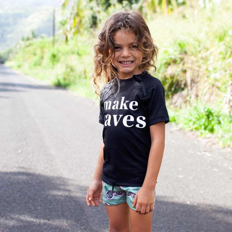 Beach and Bandits UV Zwemshirt Korte Mouw Kinderen Jongens Meisje - Make Waves Zwart