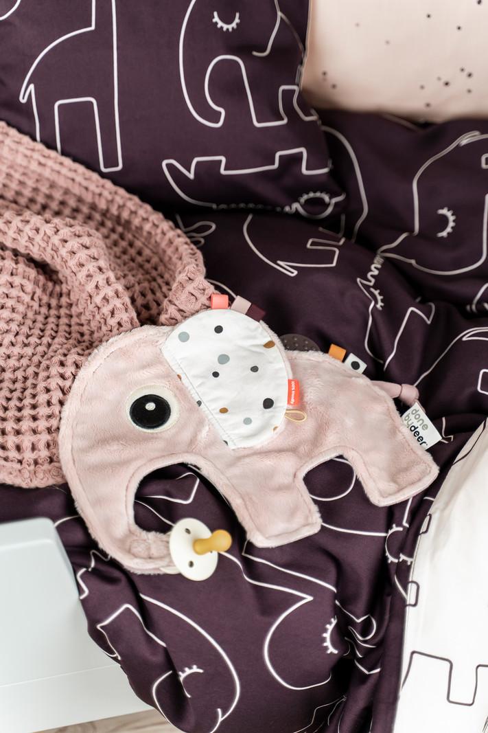 Done by Deer Knuffeldoekje Baby Speendoekje Olifant Elphee Cozy Friend Grijs - Kraamcadeau Jongen Uni Meisje - 25 x 22 cm