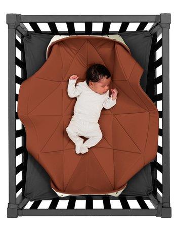 Hangloose Baby  boxkleed, speelkleed en hangmat in één - Dusty Terra Roestbruin - Bamboo stof - 98 x 78 cm