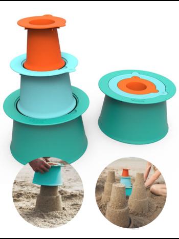 Quut Alto Lagoon Green Zandspeelset Kasteel -  Zandbak Speelgoed / Strandspeelgoed Jongen Meisje -  Cadeau 1 jaar | 2 jaar | 3 jaar | 4 jaar | 5 jaar - Set van 3 vormen - Groen Blauw Oranje