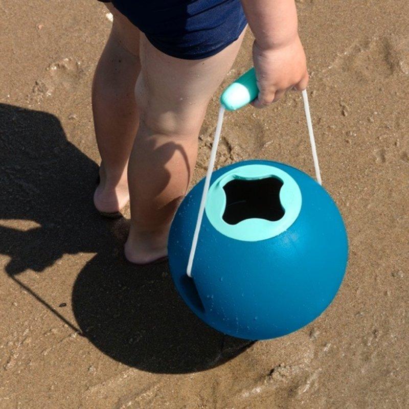 Quut Strandset 3-delig Mini Ballo Strand Emmer + Cuppi setje + Magic Shaper zandvormpje -  Zandbak Speelgoed / Strandspeelgoed Jongen Meisje -  Cadeau 1 jaar | 2 jaar | 3 jaar | 4 jaar | 5 jaar - Set van 3 vormen - Groen Blauw Geel
