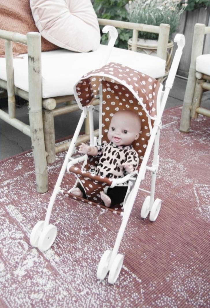 vanPauline Speelgoed Poppenbuggy Poppenwagen Caramel Daisy - Karamel Madeliefjes Bloemenprint - Vanaf 3 jaar