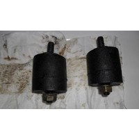 Engine mount rubbers front B14 engine Volvo 340