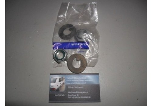Retaining ring with nut for wheel bearing 3104006/3292060 NEW Volvo 300 series