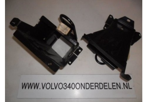 Bumper bracket front R / L 3342286-6 / 3342287-4 new from CH. 121000 Volvo 340, 360