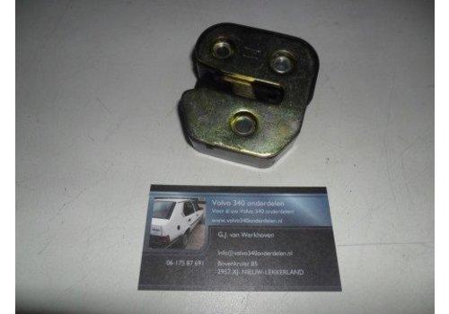 Portiersluiting slot L / R 3268533-1 / 3268534-9 gebruikt Volvo 300-serie