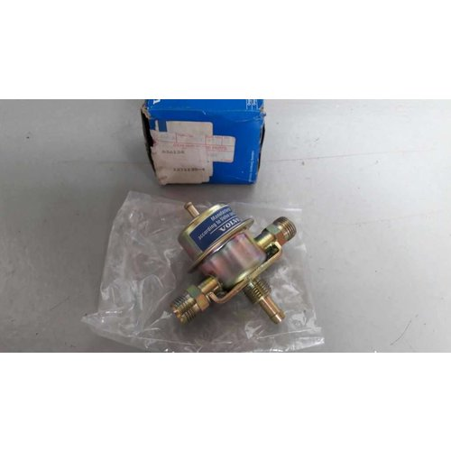Fuel pressure regulator 3517102 NEW Volvo 200, 300 series