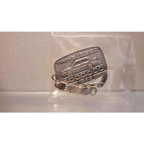 Keychain Accessory 000358 NEW Volvo 300 Series