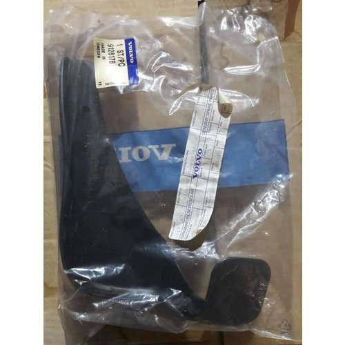Mudflap LH 9126178 to 1998 NEW Volvo 900 series