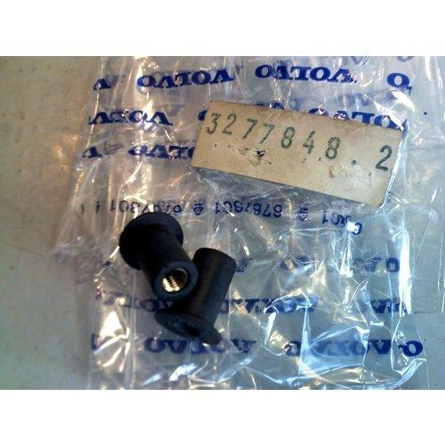 Plaatmoer achterwand bij kentekenplaat 3277848 NIEUW Volvo 340, 360