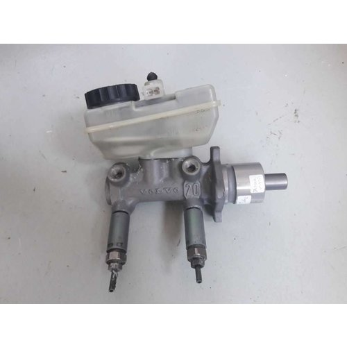 Master cylinder Bendix 311865 type 2 uses Volvo 440, 460