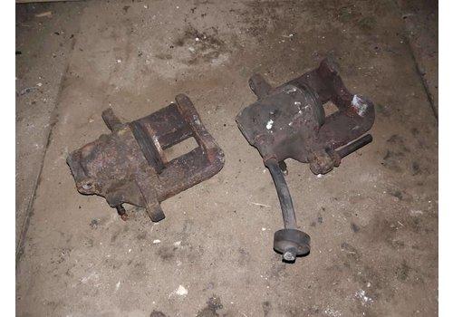 Caliper single piston 9031057-4 LH / 9031058-2 RH used Volvo 340, 360