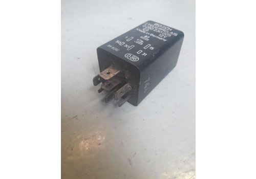 Relay fuel system B200 engine 3285227-9 uses Volvo 360