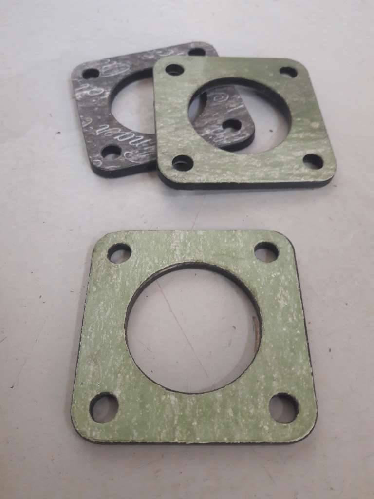 Insulating flange incl  Gaskets for SU and Stromberg carburetor 419888 NEW  Volvo Amazon, Combi, 544, P210, 445, 140, 145, 240, 260