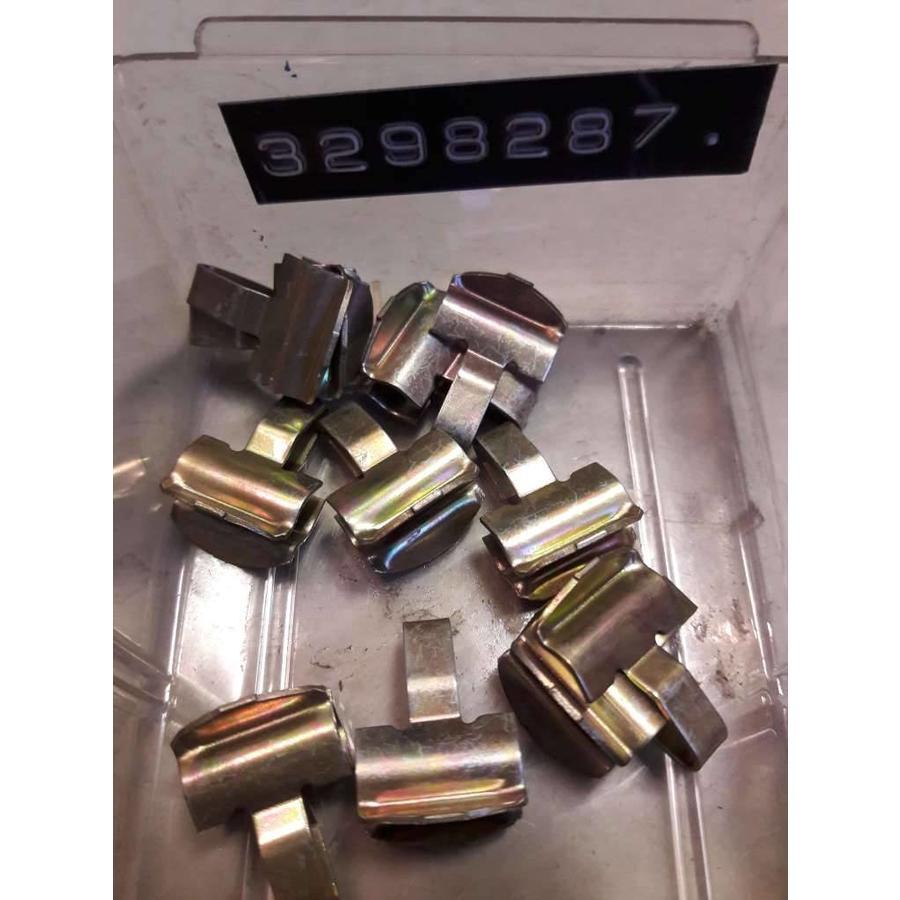Clip bekleding raamstijl 3298287 vanaf '82 NIEUW Volvo 340, 360