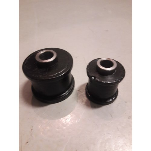 Reaction arm rear axle rubber set 3297467 NEW Volvo 340, 360