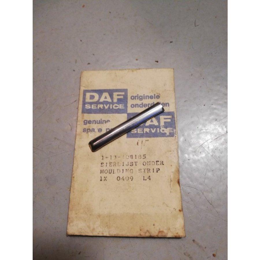 Clip strip sierlijst onder 1-13-108185 NOS DAF