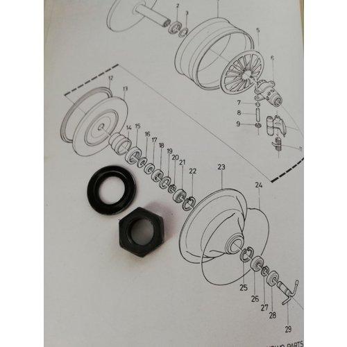 Ring en moer (16+17) bij doorvoerpotje membraan CVT transmissie primair 6629799-5/3103818-5 gebruikt Volvo 343, 345, 340