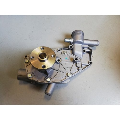 'Old type' water pump 3100979 NEW Volvo 66, 343, 345