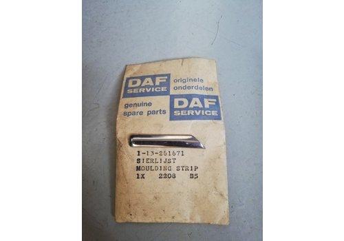 Trim strip grille headlight trim 3104314 NOS DAF, Volvo 66