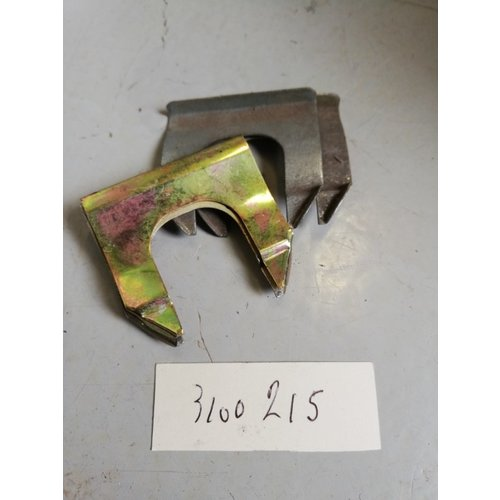 Door handle clip door 3100215 NOS Volvo 66