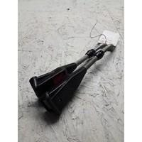 Belt holder belt catcher between front seats 3268004 used Volvo 66