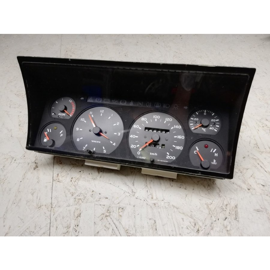 VDO complete clock set 3206758 uses Volvo 340, 360